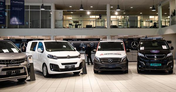 Et utvalg varebiler fra Bertel O. Steen