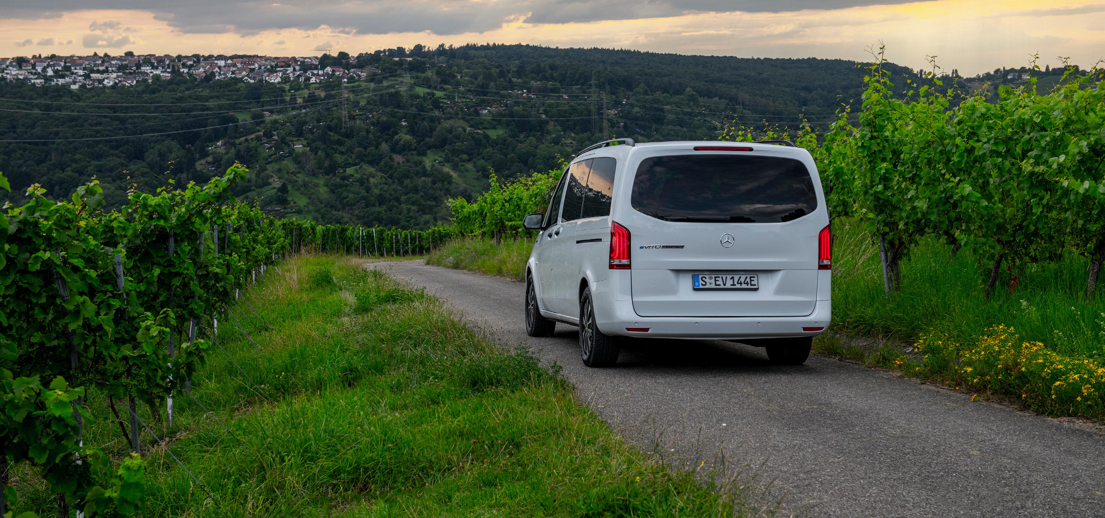 Mercedes-Benz eVito Tourer Long Range A3