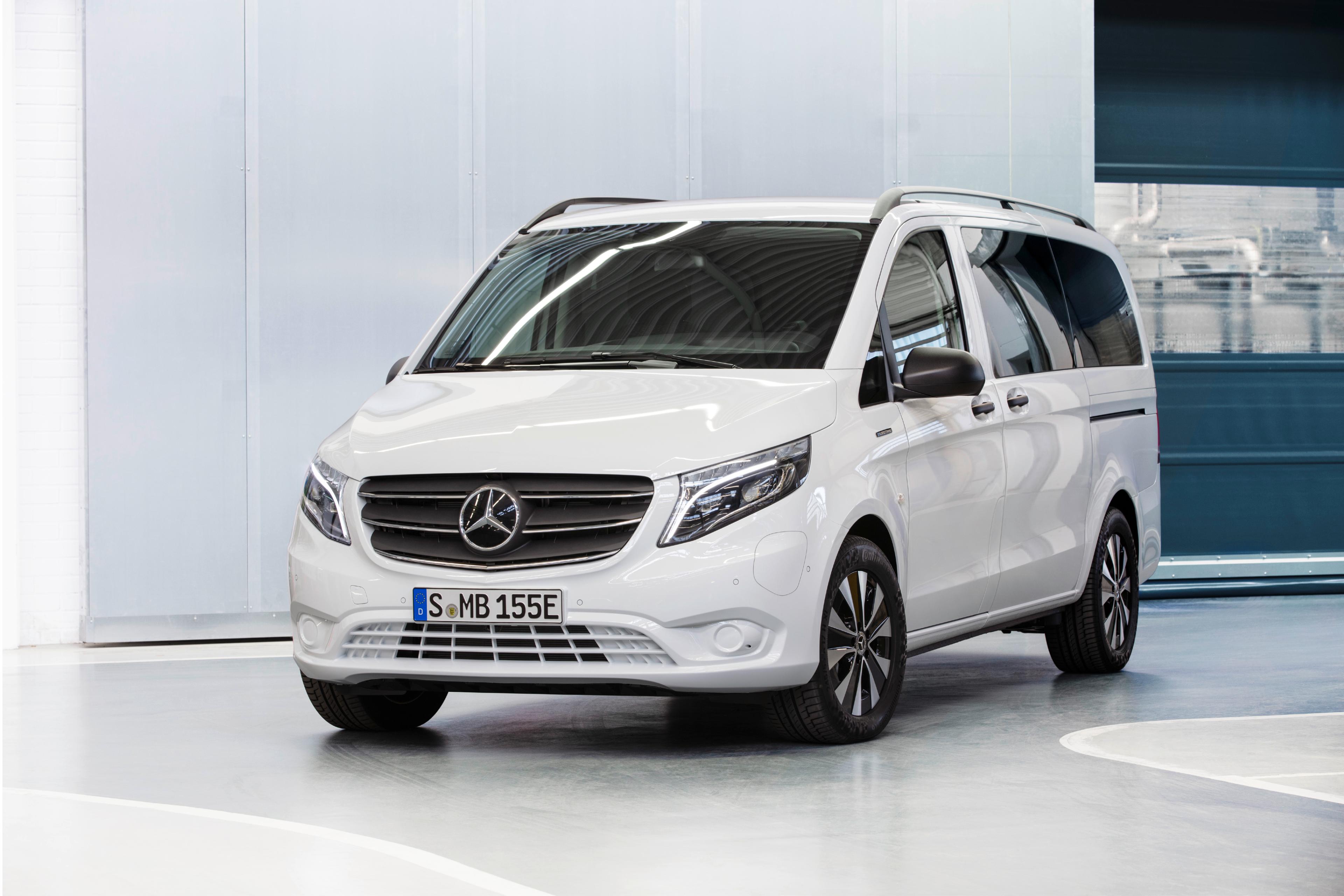 Mercedes-Benz eVito Tourer Long Range A2