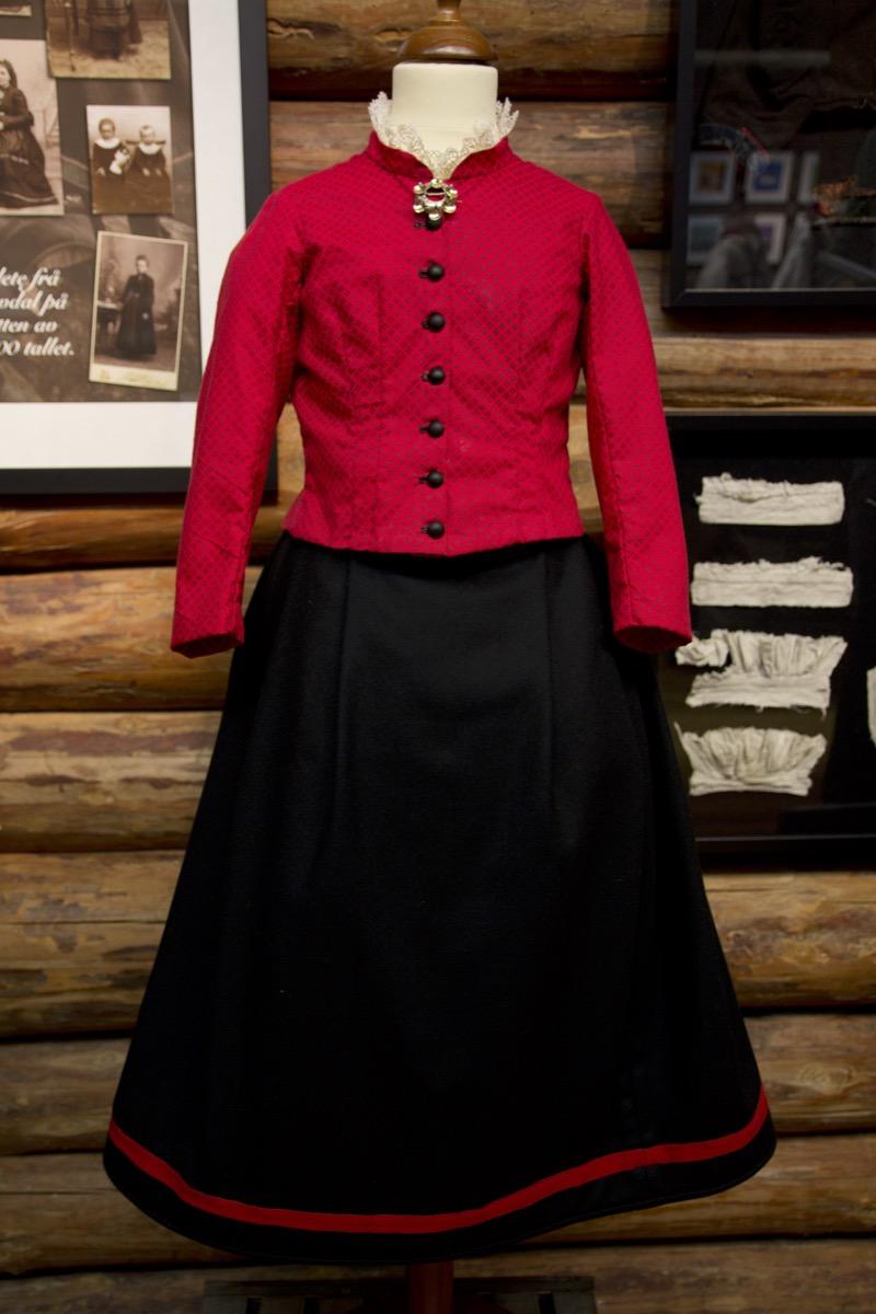 Rød trøye 1