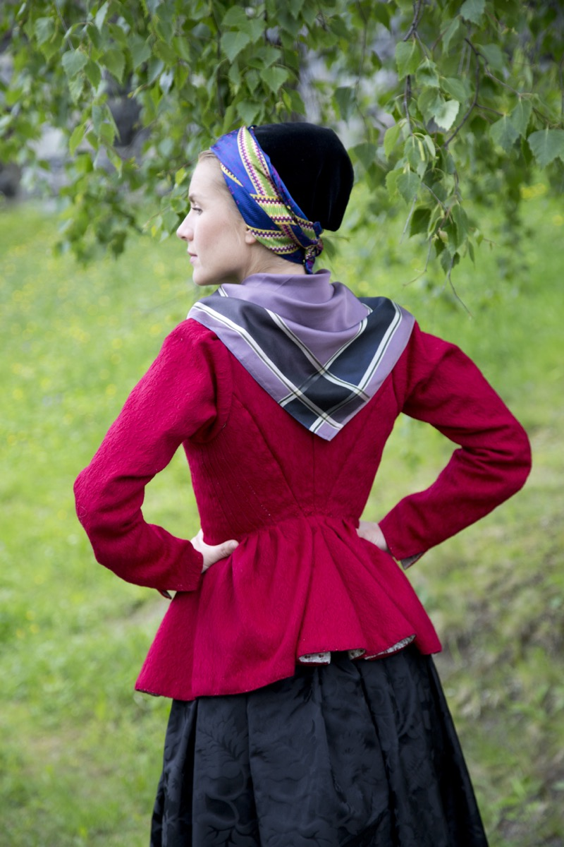 Camilla rød trøye 18