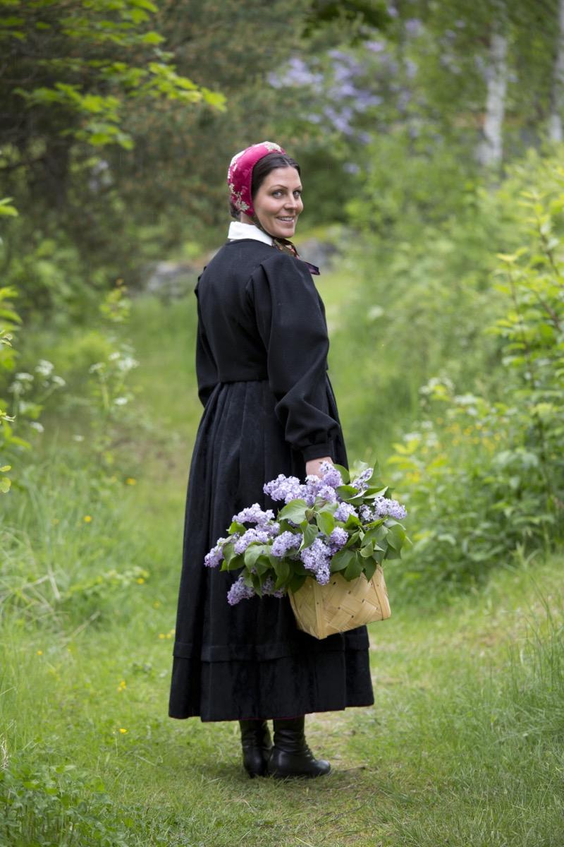 Anne svart trøye 13