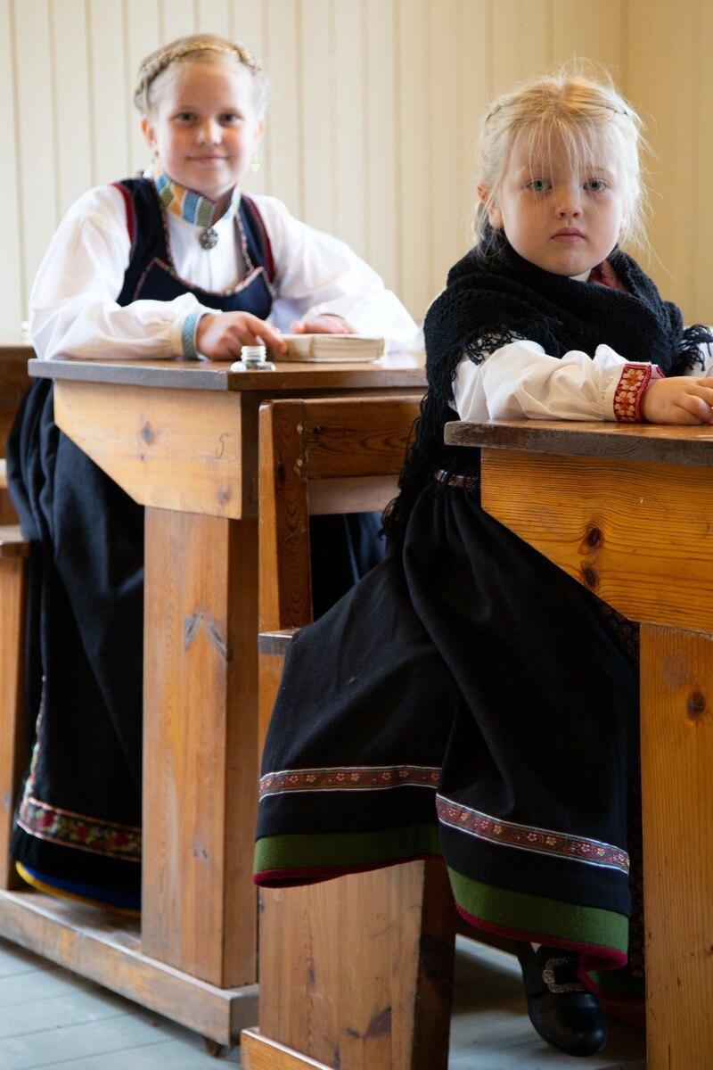 Barn i Lundebunad