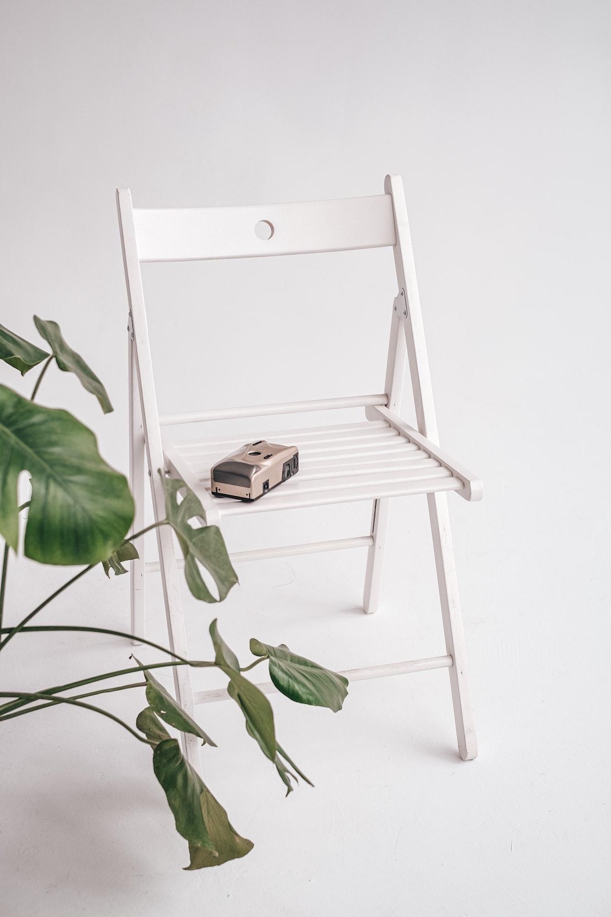 White Simple Chair