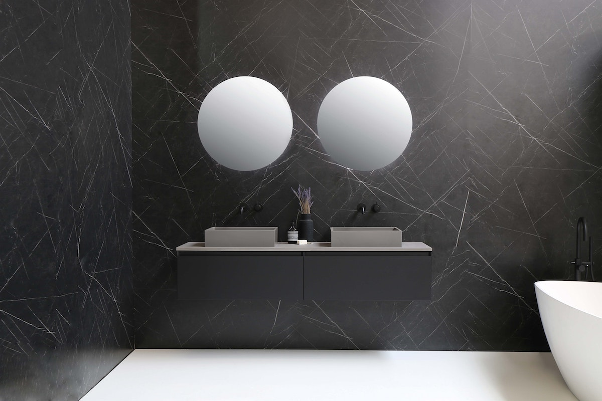 Mounted Bathroom Vanity in Black