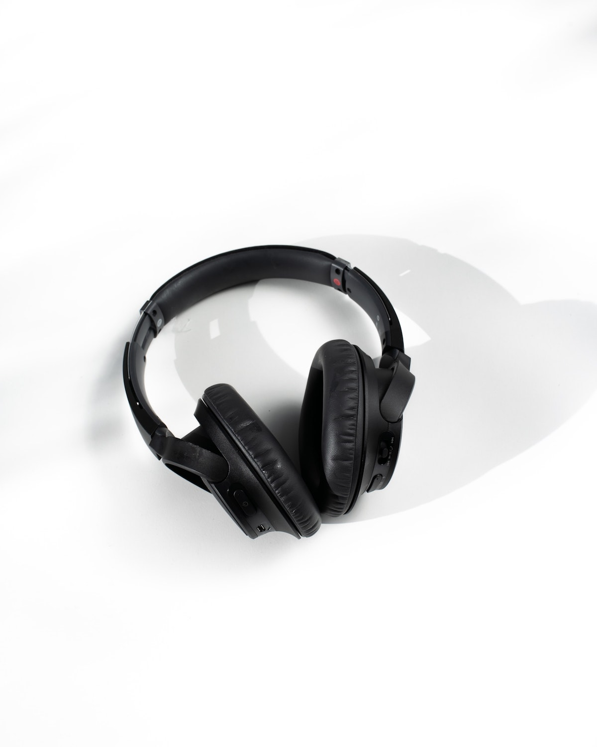 Noice Cancelling Headset in Black