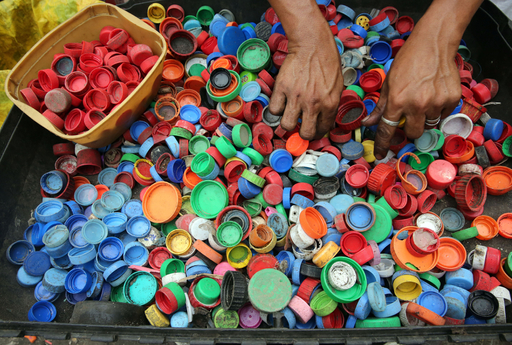 Press Release: Surf Fins From Recycled Bottle Caps