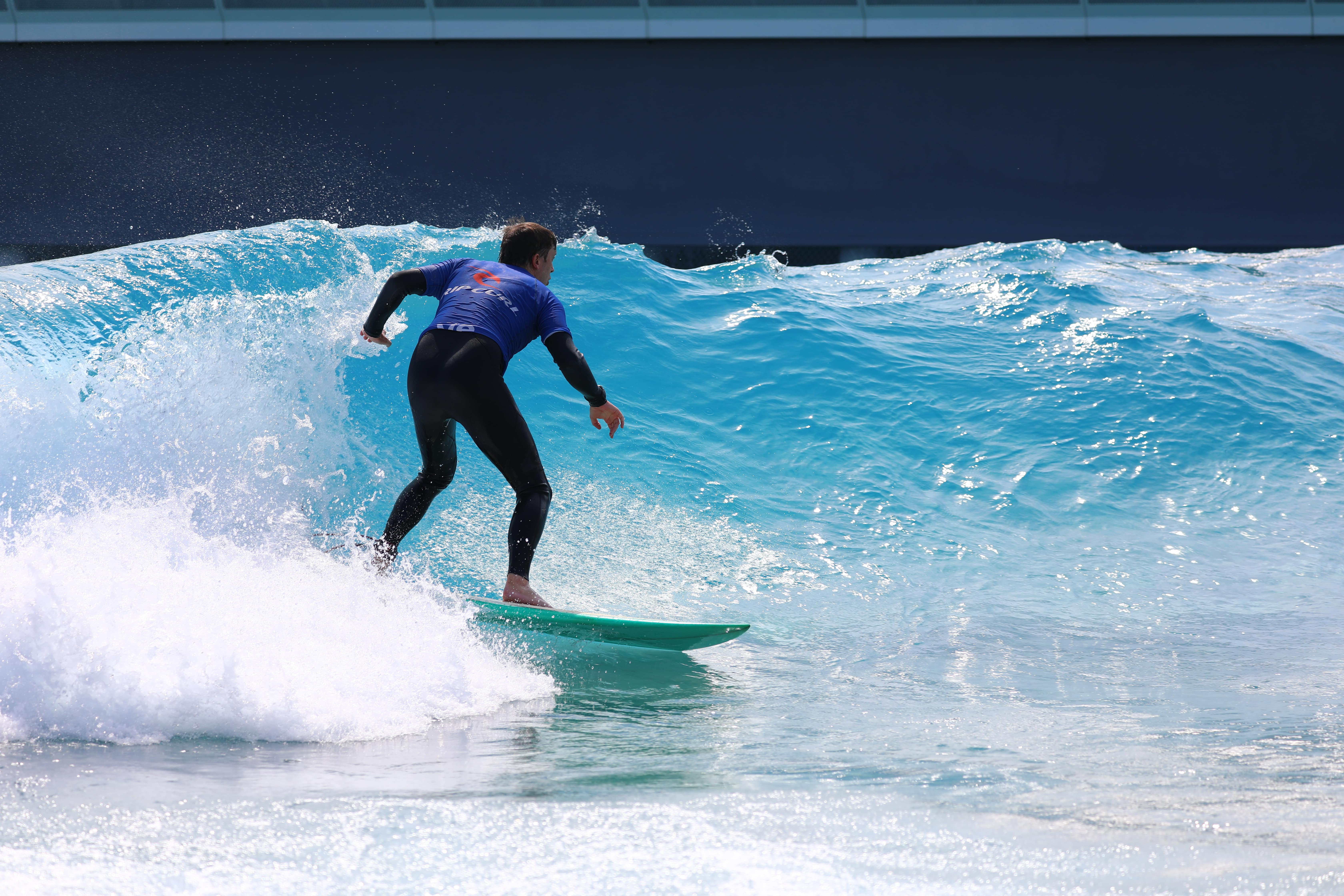 Can Wavepools Help Improve Your Surfing?
